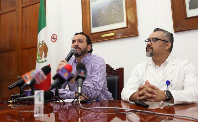 En conferencia de prensa, el titular de la SSY indicó que ya suman 5 las personas que han registrado sintomatología leve relacionada con Covid-19. (Novedades Yucatán)