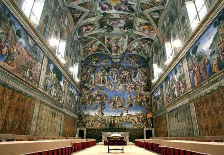 Los turistas tendrán que esperar a que llegue el nuevo Papa para poder entrar a la Capilla Sixtina. (Agencias)
