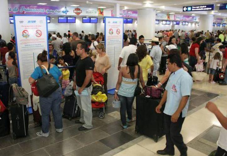 Asur opera nueve aeropuertos en el sureste mexicano, incluído Cancún. (Foto: Contexto/SIPSE)
