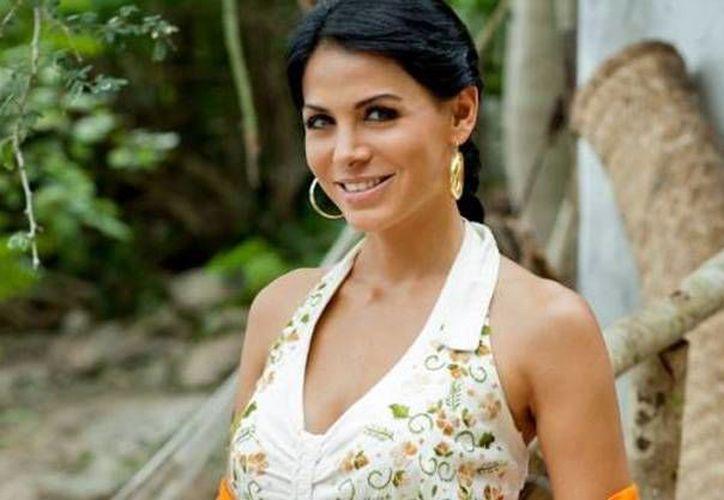 Vanesa Arias, actriz y modelo, quien también ambientó el carnaval de Mérida del 2012 y repetirá en 2013. (esmas.com)