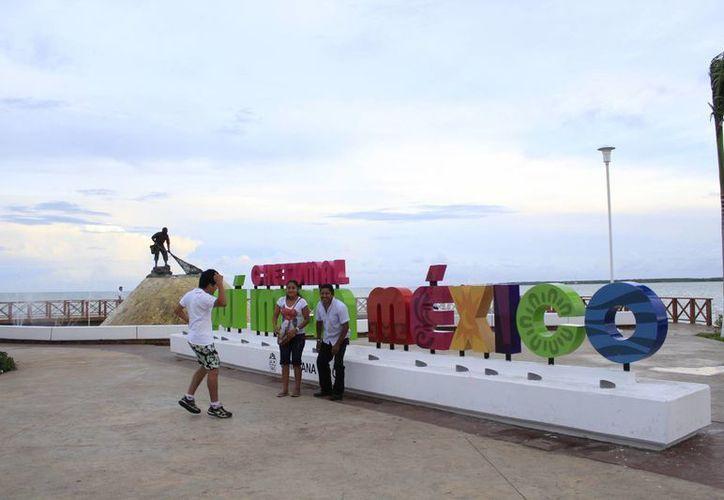 Para Chetumal se contempla una bolsa de 13 millones de pesos para la remodelación del Bulevar Bahía. (Harold Alcocer/SIPSE)