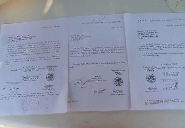 Los oficios que han entregado en el Palacio Municipal. (Raúl Balam/SIPSE)