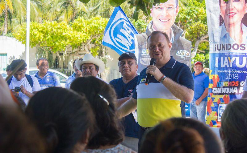 El candidato de la coalición Por Quintana Roo al frente, José Esquivel, mencionó que hay que fomentar el campo agrícola y la ganadería. (Redacción/SIPSE)