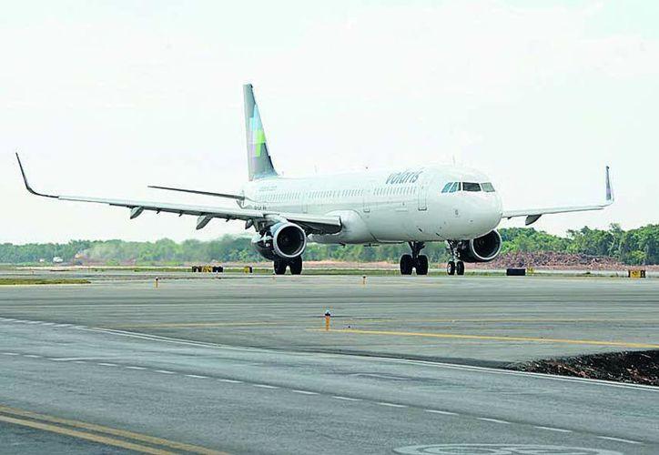 La aerolínea que encabeza la lista de quejas ante la Profeco es Volaris. (Luis Soto/SIPSE)