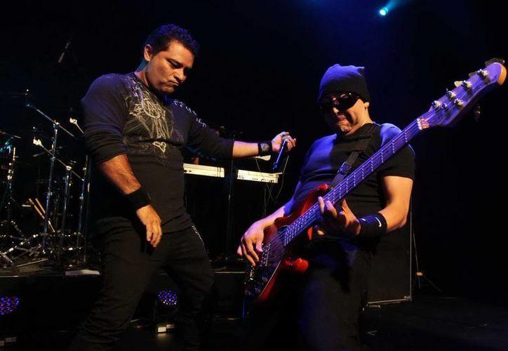 El grupo de rock se presentó con gran éxito en el Lunario del Auditorio Nacional. (Notimex)