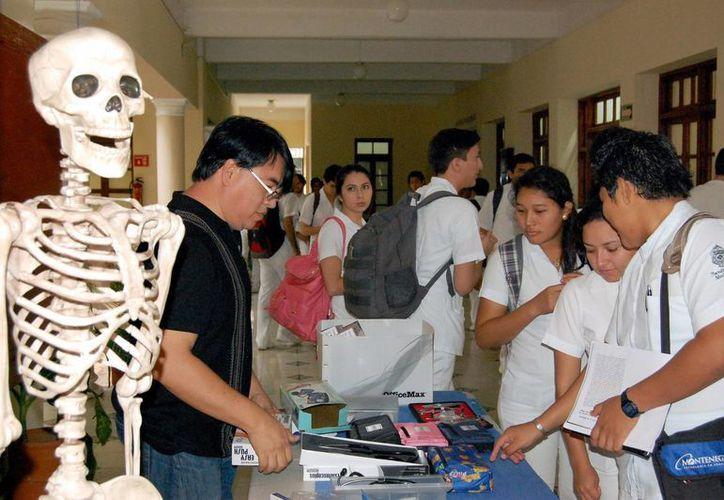 Estudiantes de la Universidad Autónoma de Yucatán, tendrán la oportunidad de entrar a los programas de intercambio con la Universidad de Michigan. (Milenio Novedades)