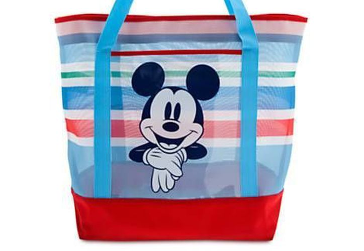 Este martes se llevó a cabo en el parque Disneylandia el lanzamiento de una línea de ropa, mochilas y calzado con las figuras de los personajes. La foto es únicamente referencial. (disneystore.com)