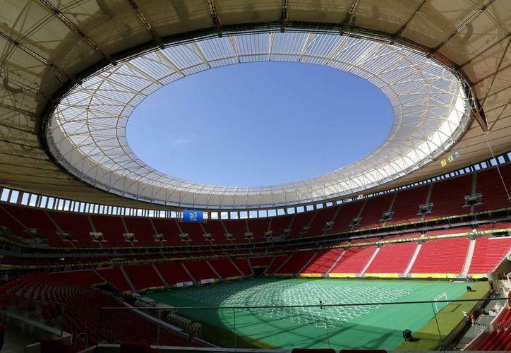 Vista general del Estadio Nacional 'Mane Garrincha' en Brasilia (Brasil), que será una de las sedes de la Copa Mundial de 2014. (EFE/Archivo)
