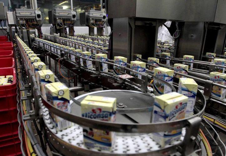 El titular de Liconsa asegura que no habrá más aumentos al precio del producto.(Archivo/Notimex)