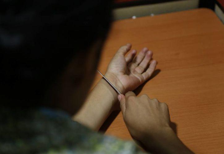 La depresión y el abuso de alcohol o drogas son algunos de los factores que derivan en suicidio. (Israel Leal/SIPSE)
