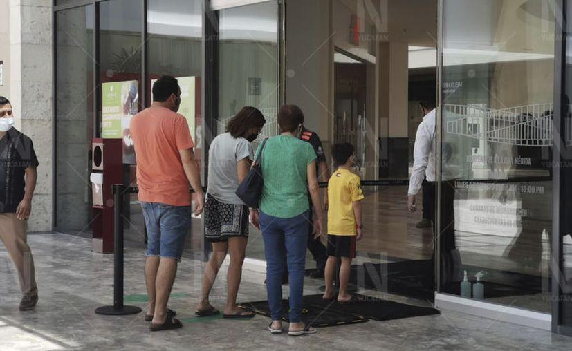La reapertura de centros comerciales forma parte del Acuerdo para la Reapertura Económica Segura de Yucatán. (José Acosta/Novedades Yucatán)