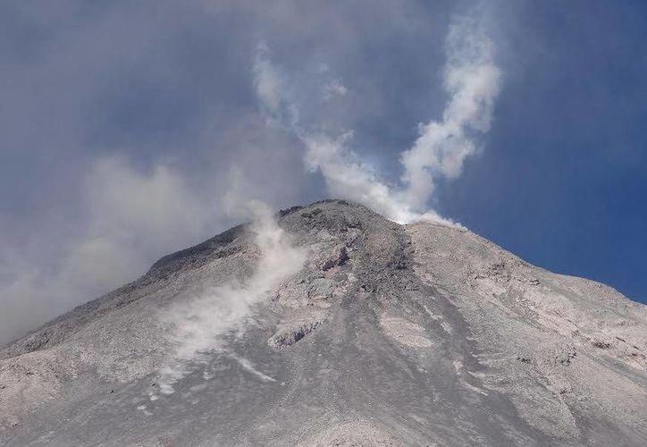La emanación del volcán de Colima ocurrió a las 10:14 horas de este sábado. Foto de contexto. (Archivo/Notimex)