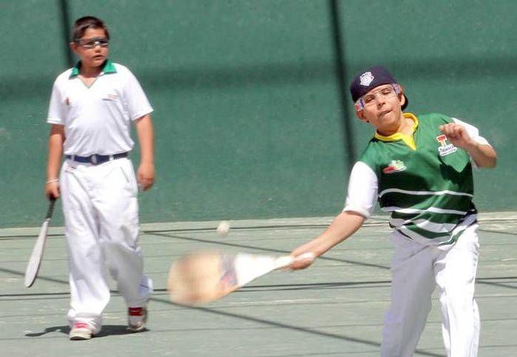 Pelotaris se alistan para darle vida a la primera edición del Torneo Cancún. (Raúl Caballero/SIPSE)