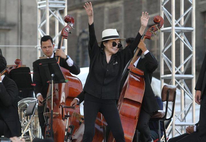 Yoko Ono, viuda de John Lennon, fue nombrada Visitante Distinguida de la Ciudad de México. (Notimex)