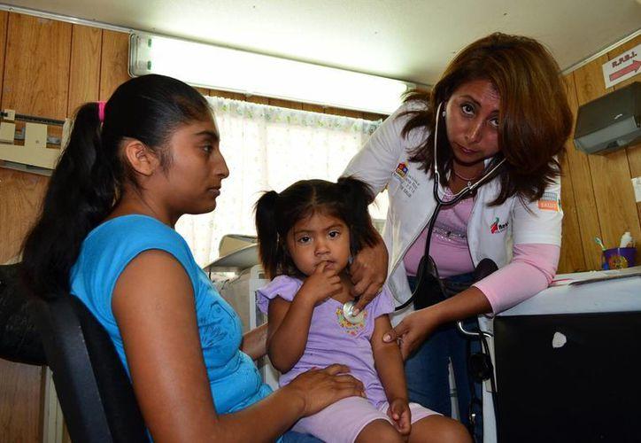 """500 pequeños que viven en la comunidad de Graciano Sánchez """"La Pantera"""", se encuentran expuestos a enfermedades de la vías respiratorias. (Javier Ortiz/SIPSE)"""