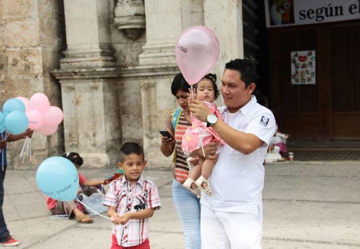 Pese a las fuertes lluvias del fin de semana pasado, las expectativas de ventas por el Día del Padre se cumplieron: Canacome. (Foto de contexto de Jorge Acosta/Milenio Novedades)