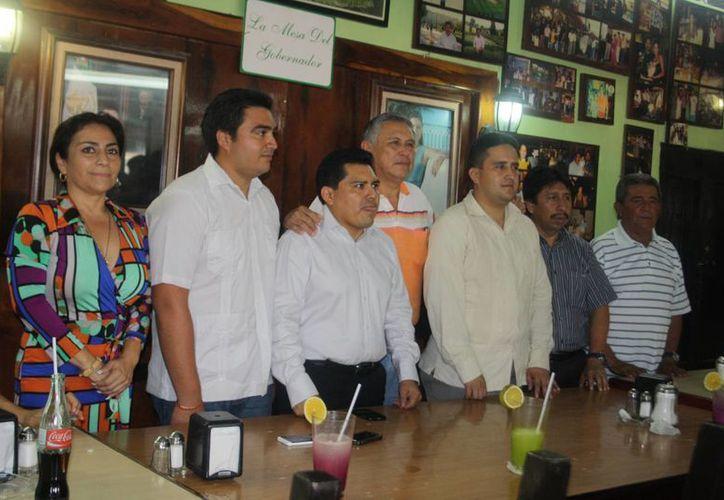 La presentación del gabinete se realizó en un restaurante. (Rossy López/SIPSE)