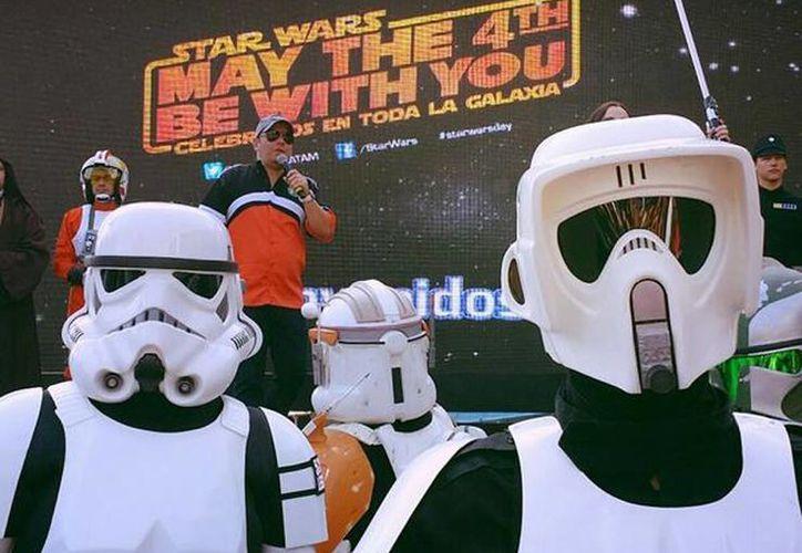 Alrededor de 2 mil 900 fanáticos de Star Wars asistieron al evento para celebrar la saga galáctica. (@StarWarsLATAM)
