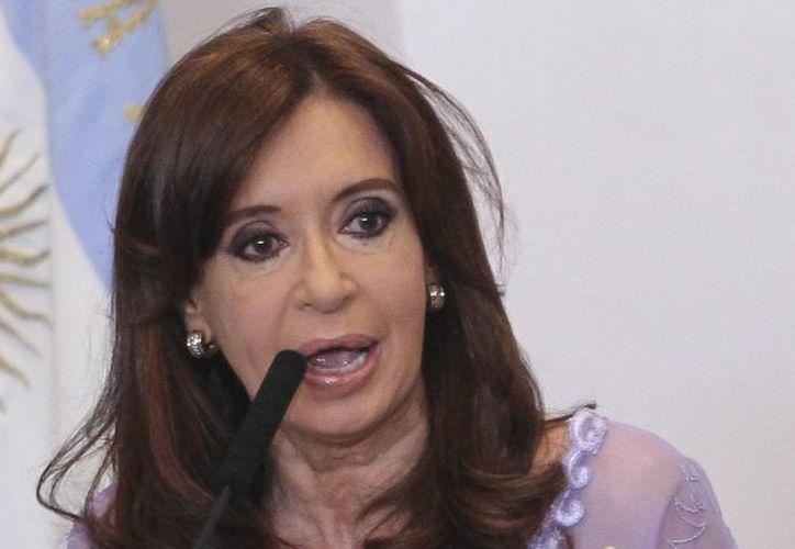Cristina Fernández defendió los logros de su mandato luego de ser acusada directamente de encubrir los atentados de Buenos Aires en 1994. (EFE)