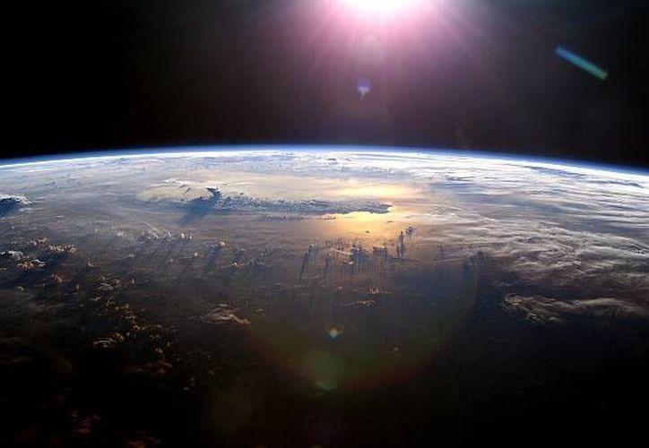 La magnetosfera forma un verdadero escudo protector contra las partículas cargadas del viento solar, impidiéndolas llegar al suelo. (NASA)