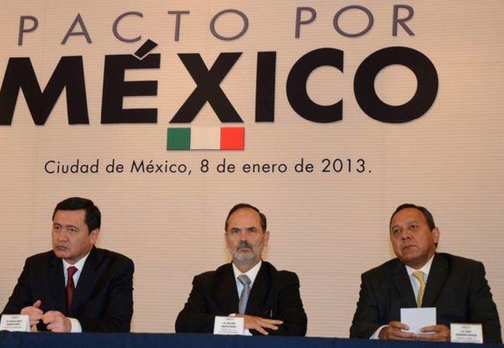 El Pacto por México es uno de las propuestas que hasta ahora han funcionando al gobierno de Peña Nieto. (Notimex)