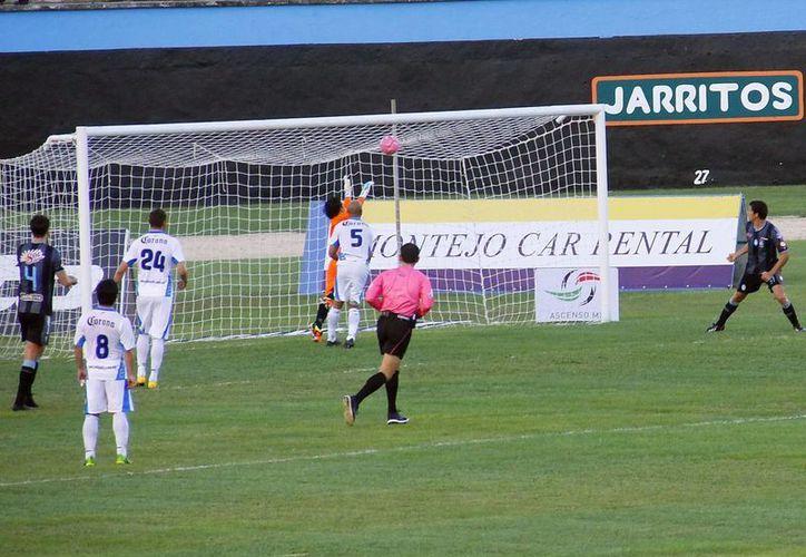 Los jugadores del Mérida demostraron desde el primer tiempo sus deseos de triunfo. (SIPSE)