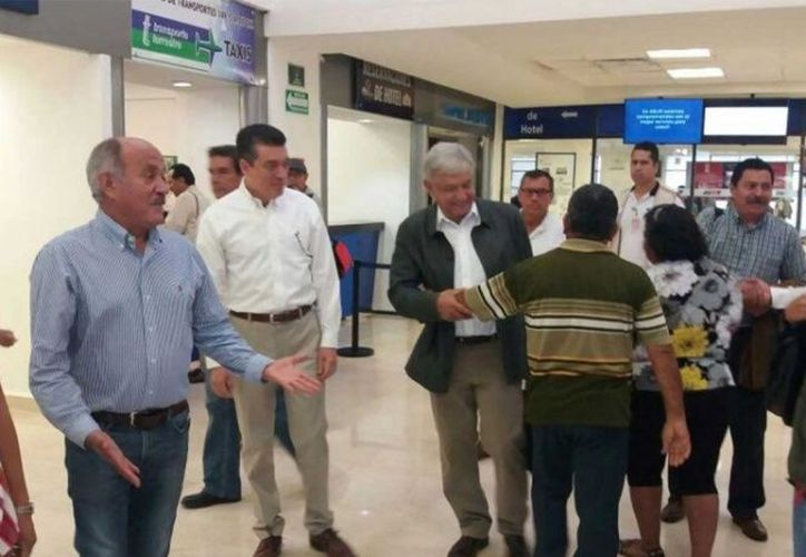 Andrés Manuel López Obrador, arribó al Aeropuerto Internacional de la ciudad de Tapachula. (Especial)