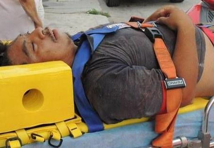 A causa de la caída, Jorge Luis Medel, de 25 años, respiraba con dificultad y no se podía mover. (SIPSE)