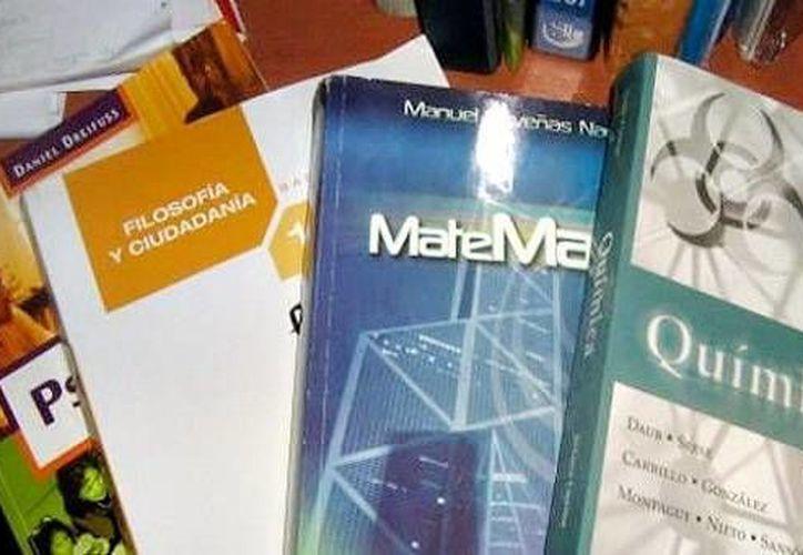 Los textos autorizados por la SEP servirán para los tres grados del nivel secundaria. (porticoonline.mx)