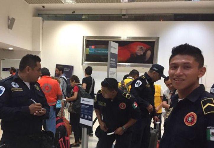 Los rescatistas viajaron a Ciudad de México esta mañana. (SSP)