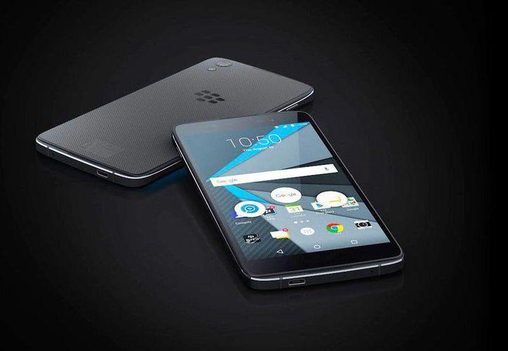 El DTEK 50 tiene una pantalla de 5.2 pulgadas y funciona con Android Marshmallow. (forbes.com.mx)