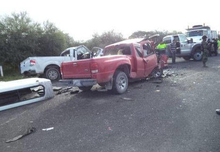 La imprudencia y la neblina fueron las causas más importantes del accidente en San Luis Potosí. Algunos de los 10 muertos formaban parte de una familia de  Jalisco. (Milenio)