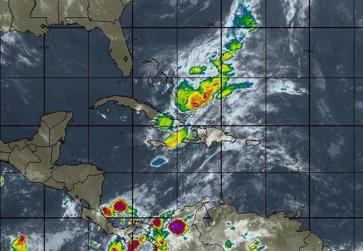 Para hoy se espera cielo parcialmente nublado,  la probabilidad de lluvias es del 20%, en Cancún. (Intellicast)