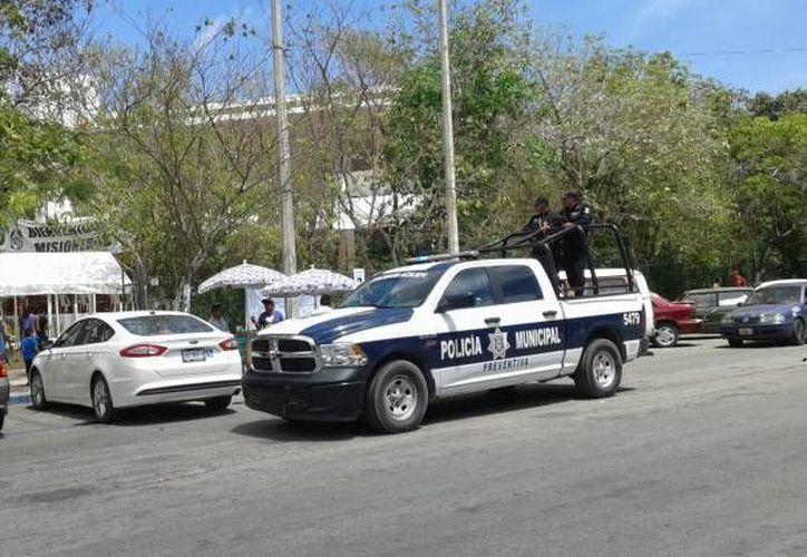 Las mujeres fueron detenidas por elementos de la Policía Municipal. (Redacción/SIPSE)