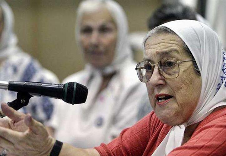 De Bonafini, de 87 años, ya faltó el pasado 6 de julio a la primera citación del magistrado y tras su ausencia de hoy se preveía que pudiera ser obligada a acudir con la fuerza pública. (Excelsior)
