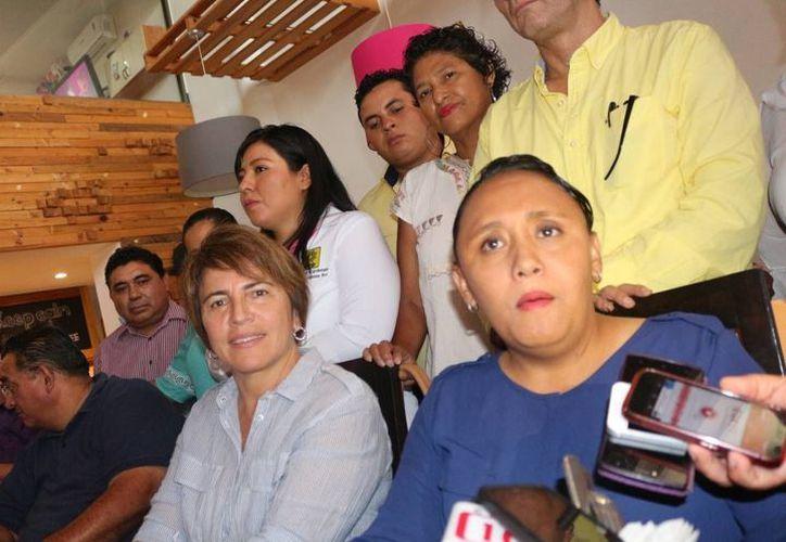 La alcaldesa destacó la importancia de dar respuesta a las peticiones de las familias solidarenses. (Redacción/SIPSE).