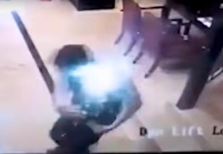 Hasta el momento no se sabe la causa de esta explosión del smartphone.(Captura)