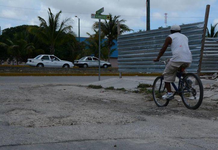 En muchas zonas de la ciudad la vialidad está afectada. (Luis Soto/SIPSE)