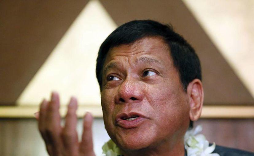 Imagen de archivo del candidato presidencial de Filipinas, Rodrigo Duterte, quien tuvo que ofrecer disculpas por sus declaraciones. (Agencias)