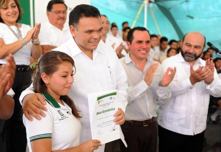 El gobernador Rolando Zapata estará este martes en una escuela primaria de la colonia Salvador Alvarado Sur. (SIPSE)