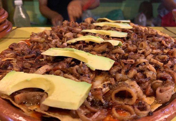 Un estudio a revelado que es mas saludable comer tacos de tripa que una ensalada promedio. (Foto: Facebook La Lotería)
