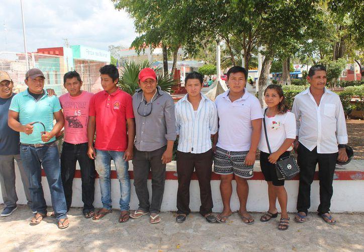 Habitantes del poblado de San Ángel. (Gloria Poot/SIPSE)