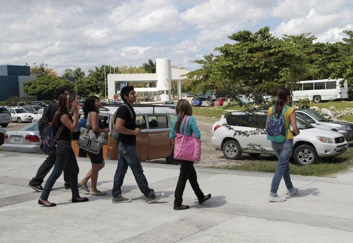 La Universidad Tecnológica de Cancún tendrá una capacidad de mil alumnos para el siguiente ciclo escolar. (Tomás Álvarez/SIPSE)