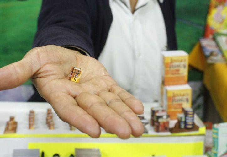 El libro más pequeño del mundo es una de las atracciones de la Feria Internacional de la Lectura Yucatán. (Milenio Novedades)