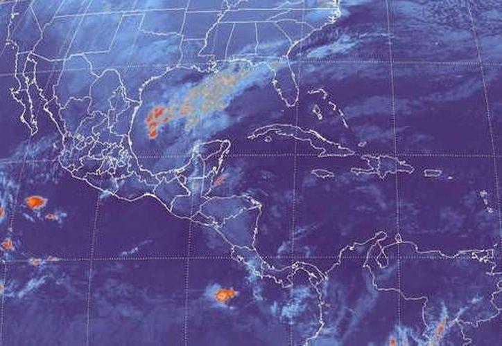 El frente frío débil número 29 se extiende como estacionario sobre el noroeste del Golfo de México, ocasionando nubosidad, lluvias y descenso de la temperatura. (Redacción/SIPSE)