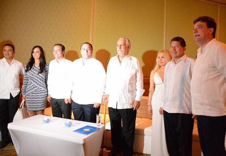 Carlos Gosselín Maurel tomó protesta como el presidente de la Asociación de Hoteles de Cancún y Puerto Morelos. (Victoria González/SIPSE)