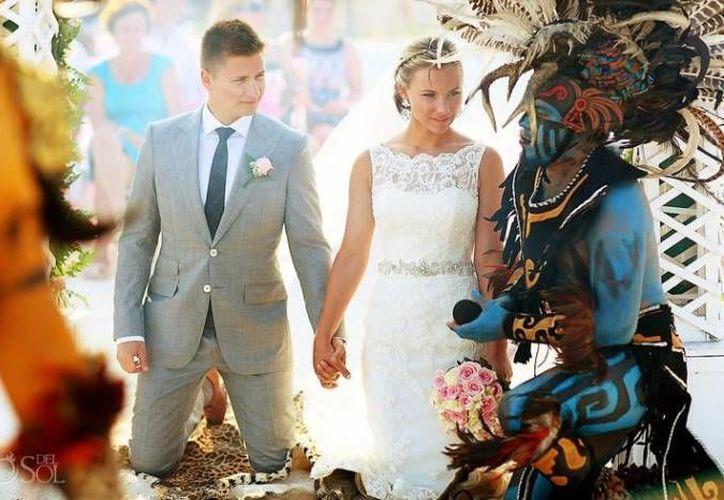 Las bodas con las tradiciones de la región han cobrado auge entre los turistas extranjeros y mexicanos. (Redacción/SIPSE)