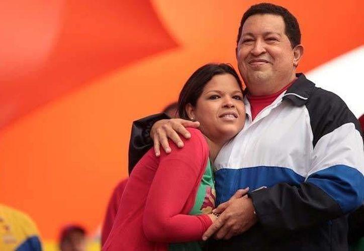"""La segunda de los cuatro hijos del jefe de Estado venezolano escribió ayer: """"No estés triste, pueblo mío!. (excelsior.com.mx)"""