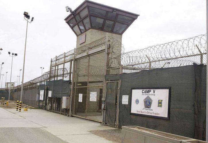 El cierre de Guantánamo ha generado un feroz debate en el Congreso de EU. (Archivo/AP)