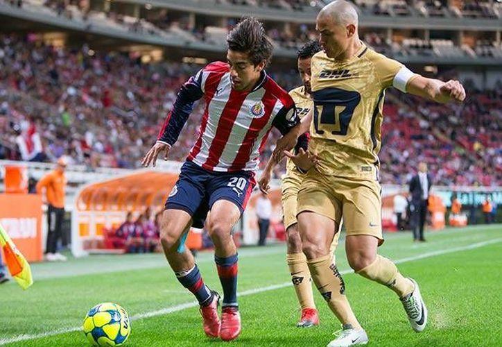 Chivas sumó sus primeras tres unidades del torneo tras derrotar 2-1 a los Pumas de Juan Francisco Palencia.(Foto tomada de Facebook/Chivas)